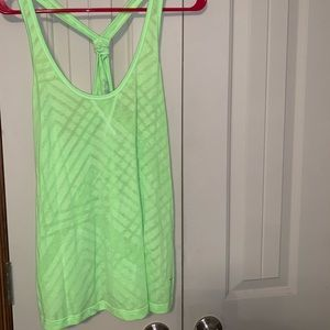 OLD NAVY WORKOUT TANK SIZE L